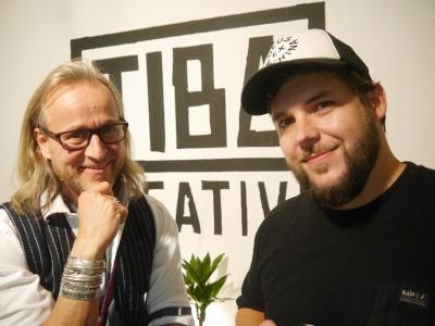 Online Marketing Team von tiba creative, zwei Personen, links Sven Kruse (Projektleiter) und rechts Timo Bahr (Inhaber)